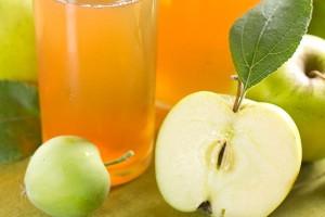 sok z jabłkiem i gruszką